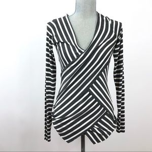 Bailey 44 long sleeve tiered V neck too sz medium